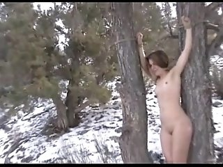 Brandi Bondage and Foot Worship in the Snow