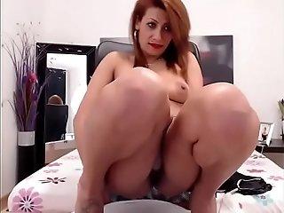 Hot Romanian Babe Pissing Smoking Whore - Cam2Flirt.com